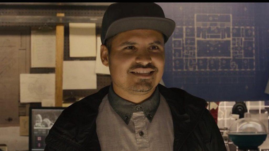 Extinção | Netflix divulga trailer de filme com Michael Peña